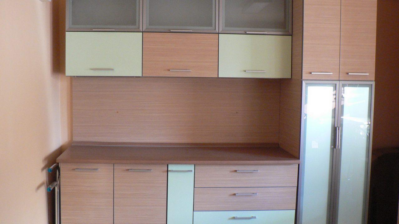 mobila pentru bucatarie din lemn